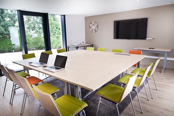 salle réunion carrée